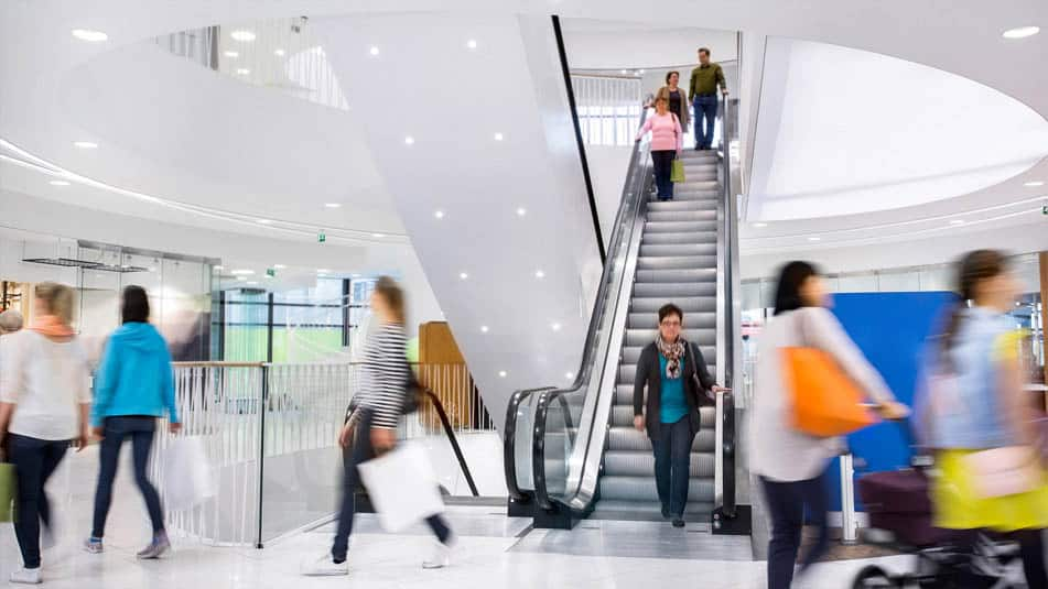 img_Solutions for new buildings_ainoa escalator lobby people flow